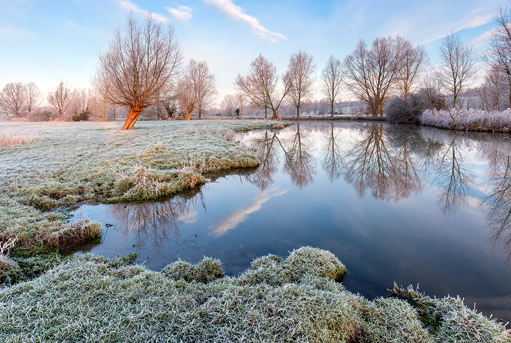 Flatford River Stour on a frosty morning.